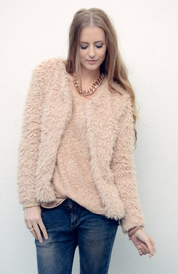 Fluffy-Must-Beige-The-Musthaves