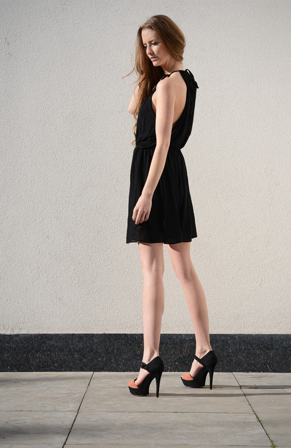 Miracle-Dress-Black-The-Musthaves