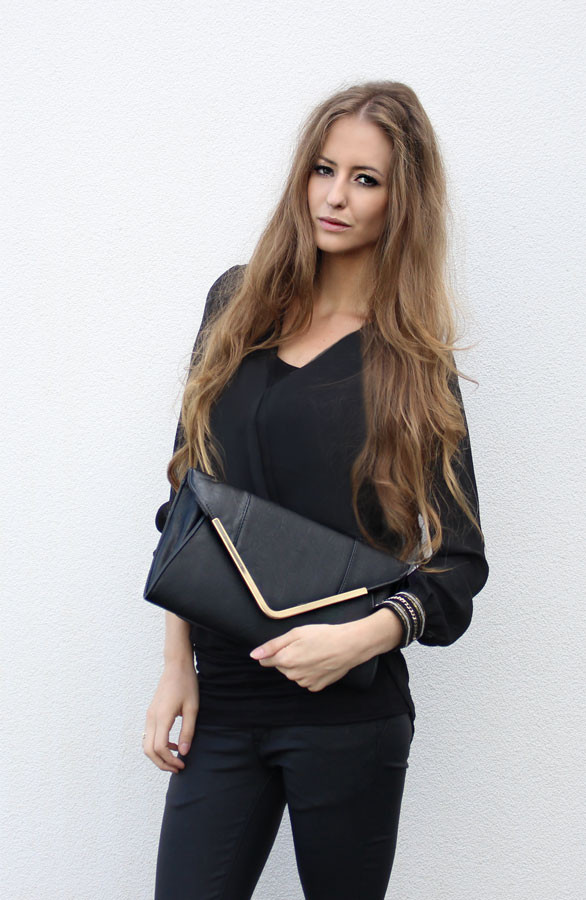 Musthave-Clutch-Zwart
