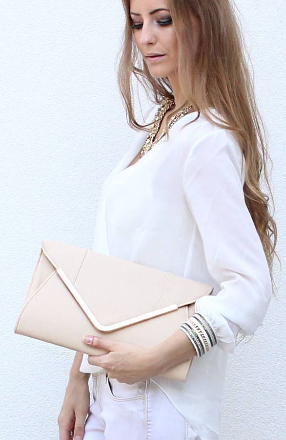 Musthaves-Clutch-Beige