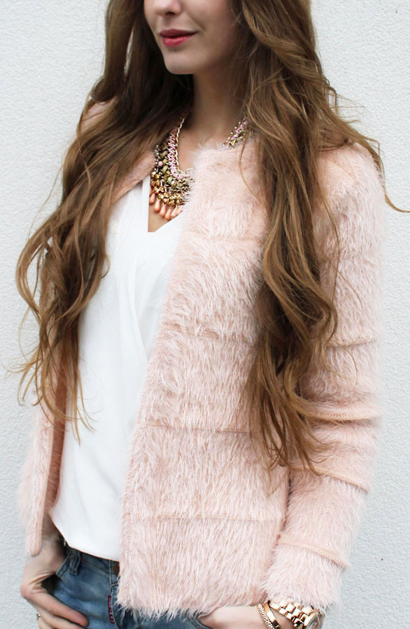 Musthave-vest-fluffy