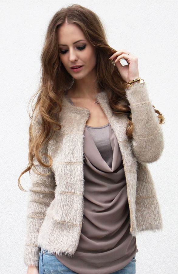 furry-vest-musthave