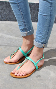 mint-musthaves-slippers