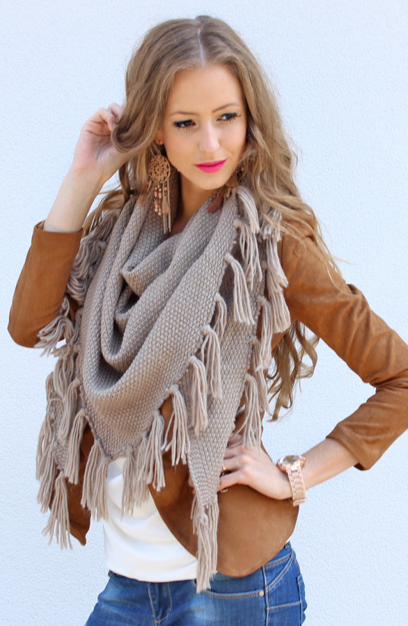 franjes-sjaal-taupe-musthaves