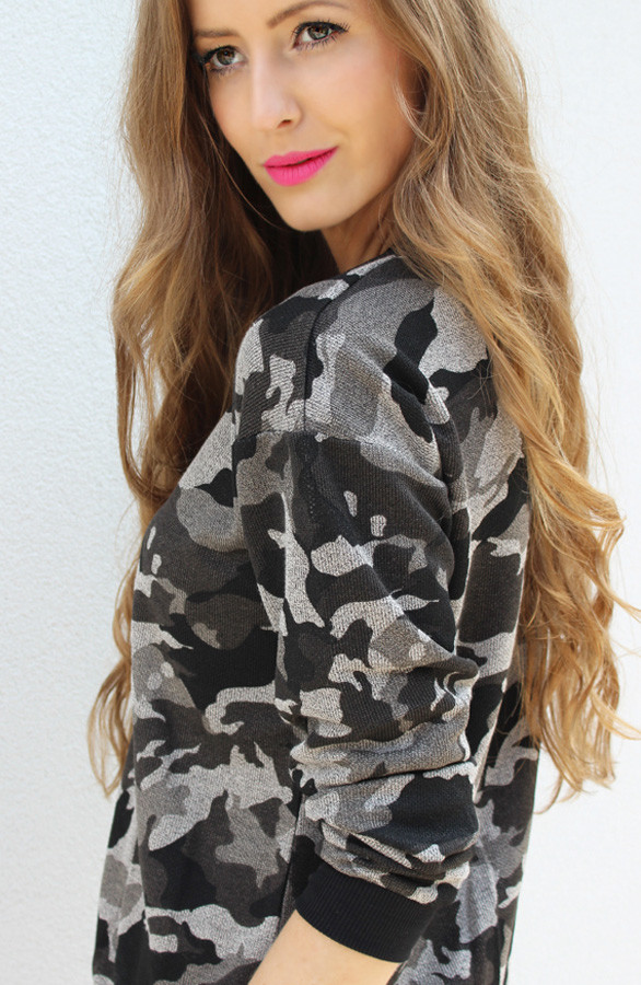 Legerprint Trui Dames.Camouflage Sweater Grey The Musthaves