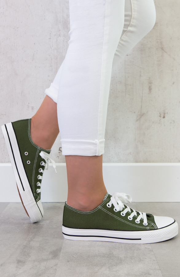 canvas-sneakers-groen