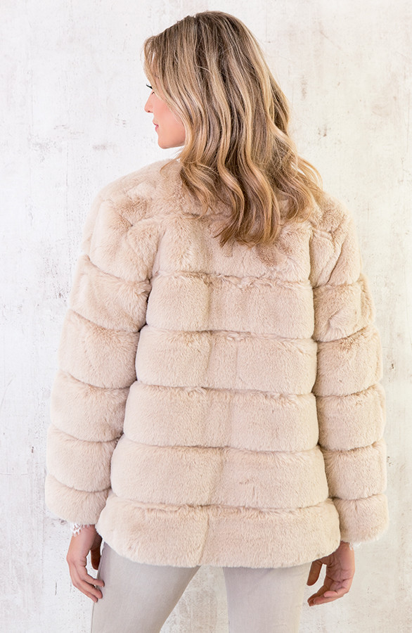 fake-fur-jassen-beige