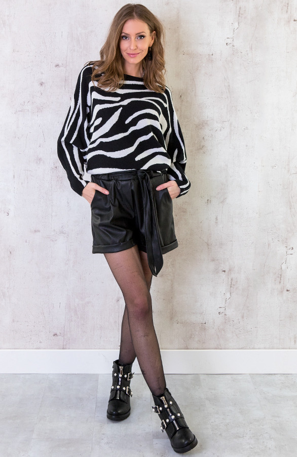 Oversized-Soft-Trui-Zebra-2