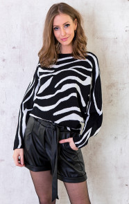 Oversized-Soft-Trui-Zebra-3