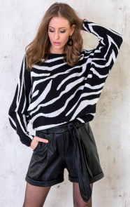 Oversized-Soft-Trui-Zebra-5