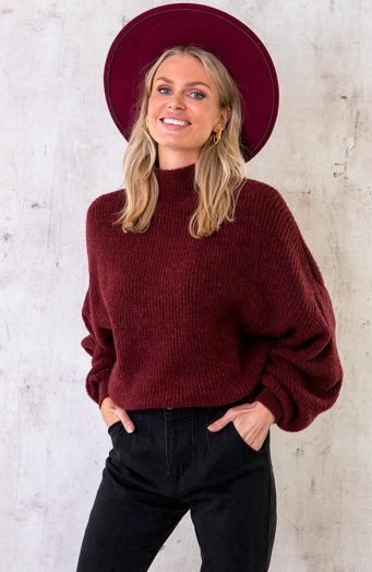 Knitted-Sweater-Bordeauxrood-1