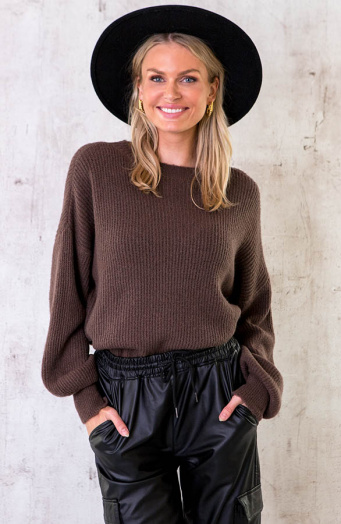 Soft-Knitted-Sweater-Choco-10